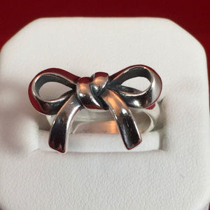 James Avery Sterling Silver Bow Ring Size 4.75